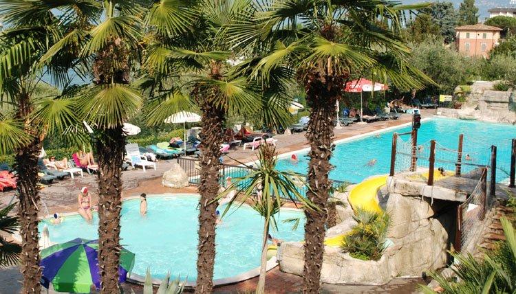 camping_eden_zwembaden_onder.jpg