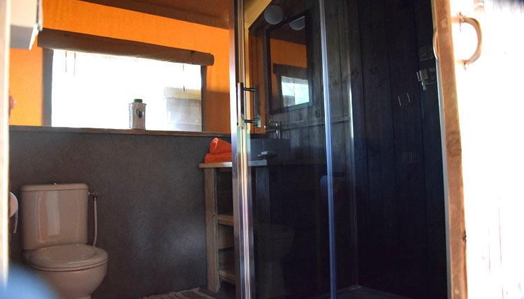 tenuta_coste_da_sole_safaritent_badkamer_toilet.jpg
