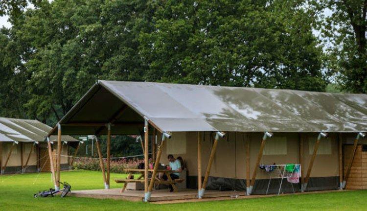 camping_borken_am_see_safaritent_groepen_lange_tenten.jpg