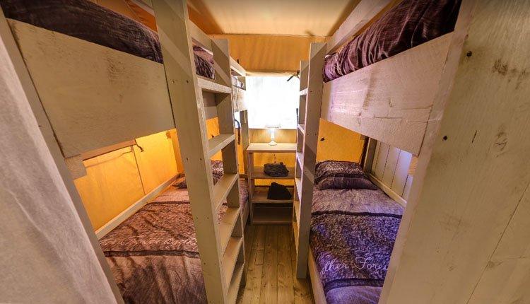 camping_borken_am_see_safaritent_groepen_slaapkamer.jpg