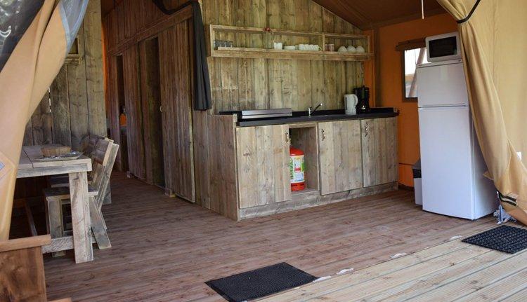 keuken premium safari tent.jpg