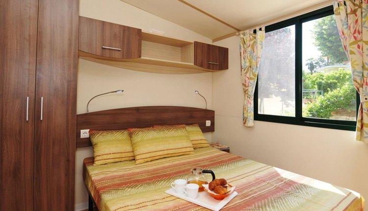 classic country_ 2-persoons slaapkamer.jpg