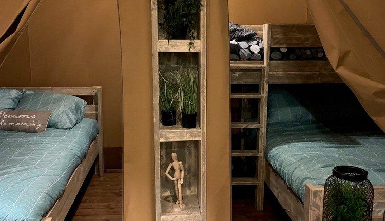 slaapkamer safaritent.jpg