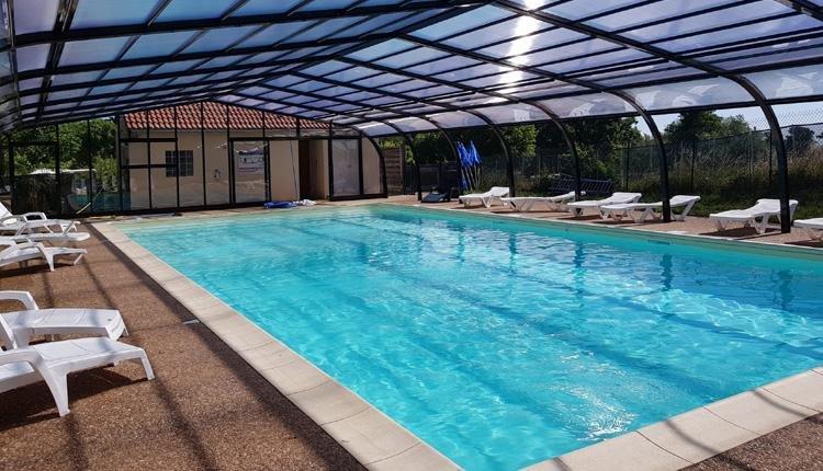 Camping La Grappe Fleurie overdekt zwembad