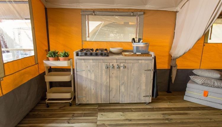 Budget Glamping Safaritent keuken